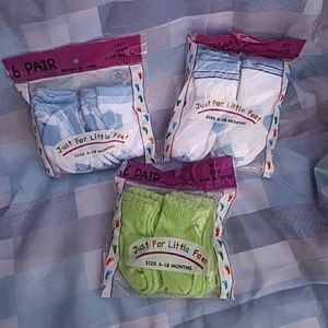 3 New packages of socks 6-18 Months